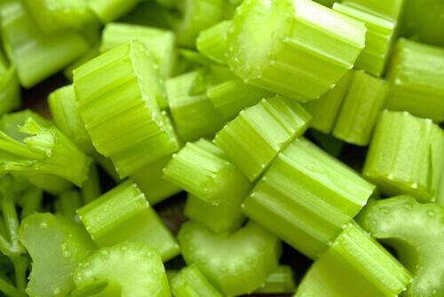 Как потерять вес с помощью сельдерея