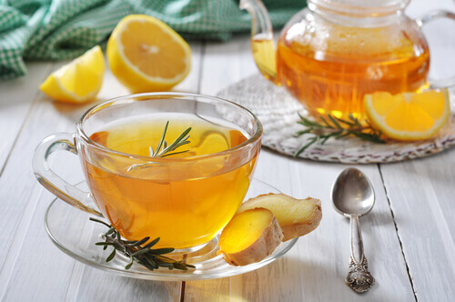 Соки и настои для лечения боли в горле