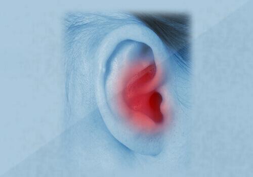 Как почистить уши естественным путем