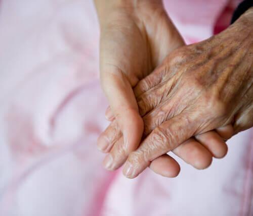 Болезнь Альцгеймера: своевременное выявление первых симптомов
