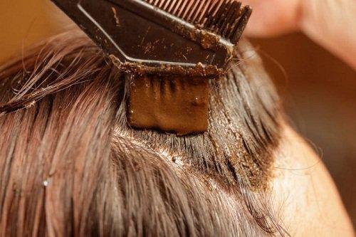Как скрыть седые волосы?