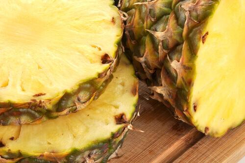 Вкусные лечебные напитки с ананасовой кожуры
