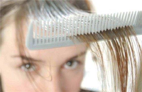 Три травяных средства для защиты волос от выпадения