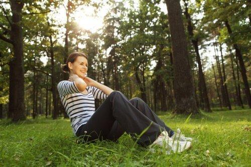 Разнообразные упражнения для мышц живота (пресса)