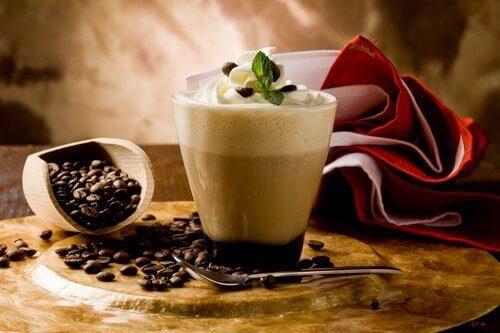 Полезно ли пить по три чашки кофе в день?