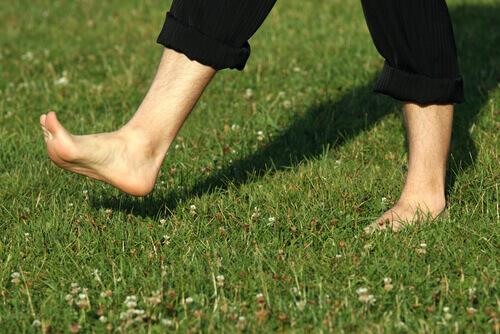 Полезна ходьба босиком