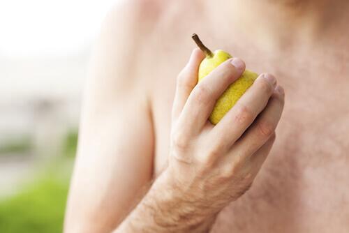 Полезно ли есть фрукты на завтрак?