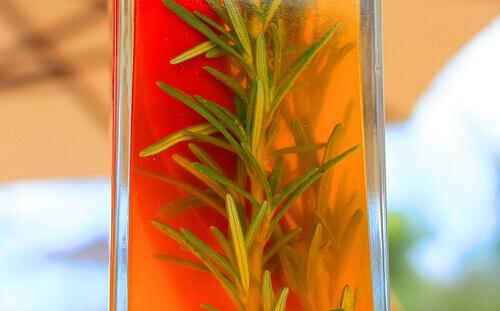 Эфирное масло розмарина: способы использования, которые вы можете не знать