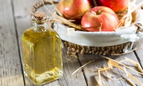 Яблочный уксус. Его полезные свойства и использование